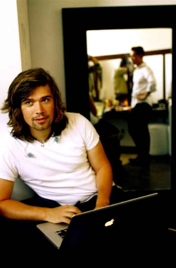 Zac Hanson. Why do fatherhood and marriage make some men stupidly attractive?