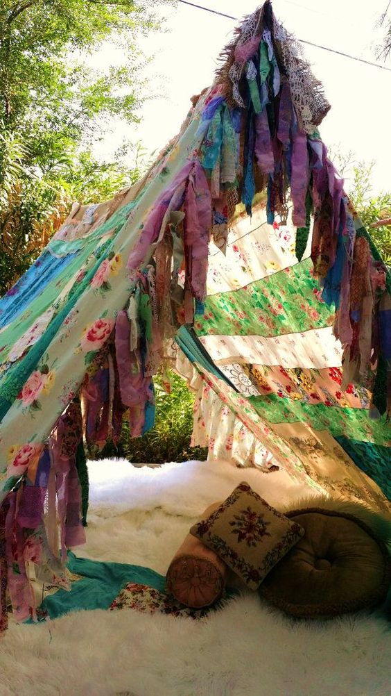 Boho tent glamping teepee vintage scarves Gypsy hippie ...