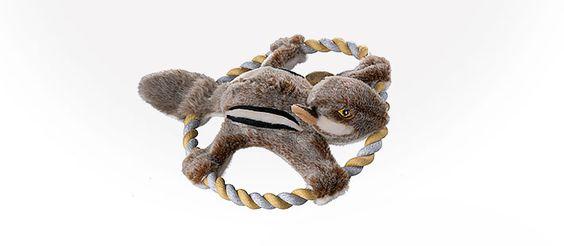 Eva, das Eichhörnchen - Ein tolles Spielzeug für den Garten, nicht nur im Frühling. Wer kann wie weit? Einfach an dem fest gedrehten Ring greifen und ab geht´s durch die Lüfte. http://www.tackenberg.de/shop/home-and-garden/schoenes-fuer-ihr-tier/Eva-das-Eichhoernchen.html #Hundespielzeug #Tackenberg