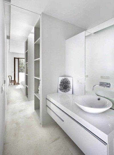 Arredare un bagno lungo e stretto - Bagno stretto e lungo, sanitari eleganti  Chic
