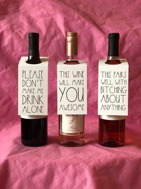 Mr /& Mrs Santa Claus Wine Bottle Dressing Cover Great Unique Gift Idea NWT