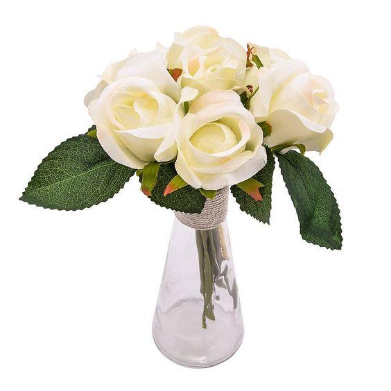 Bouquet de 7 roses dans un vase