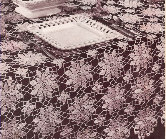 Vintage Flower Queen Anne Tablecloth Crochet Pattern | Tablecloth ...