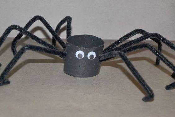 bricolages d 39 halloween avec des rouleaux halloween. Black Bedroom Furniture Sets. Home Design Ideas
