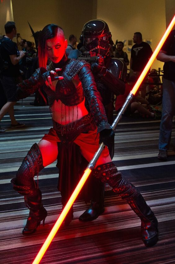 DragonCon Cosplay Video Includes Stunning Female Sith ...