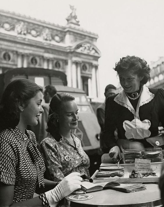 Vintage photo of ladies dining in front of the Paris Opera house. via Bon Appetit
