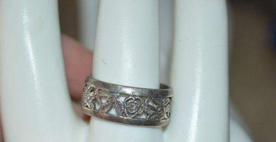Vintage Sterling Silver 925 - Cut Out Rose Flower Leaf Band Size 7.5