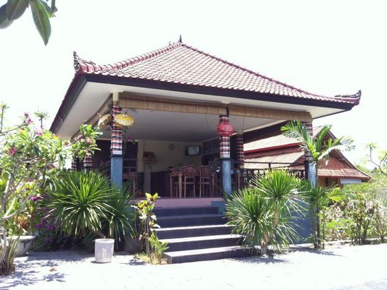Bali Jepun Bali Homestay Padang Padang Indonesia, Asia Located in Uluwatu, Jepun Bali Homestay Padang Padang is a perfect starting point from which to explore Bali. The hotel offers guests a range of services and amenities designed to provide comfort and convenience. All the necessary facilities, including free Wi-Fi in all rooms, daily housekeeping, Wi-Fi in public areas, car park, restaurant, are at hand. All rooms are designed and decorated to make guests feel right at home...