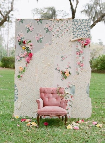 floral wallpaper wall / by blue eyed yonder, photo by elizabeth messina, via @Whenwillyou Branch Stelling.