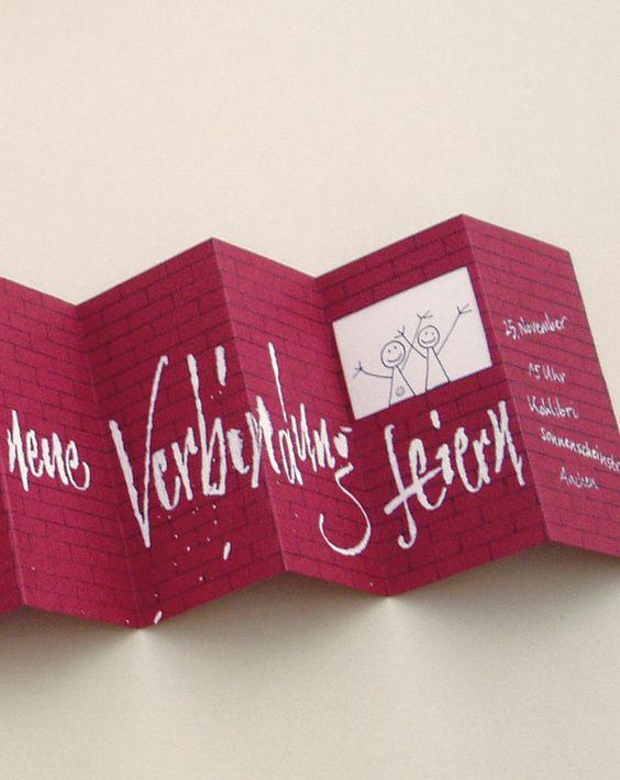 Schöne Schriften - Die Einladungskarte oben wurde vom Calligraph Thomas Hoyer wunderschön gestaltet und von Hand beschriftet. Wer seine Einladungskarte lieber selbst gestalten möchte, aber keine schöne Handschrift hat, muss sich auf die Suche nach passenden Schriften machen.