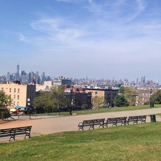 Such a sexy view from Sunset Park... 👀✌🏾️#sunsetpark #brooklyn #nycskyline #niceview