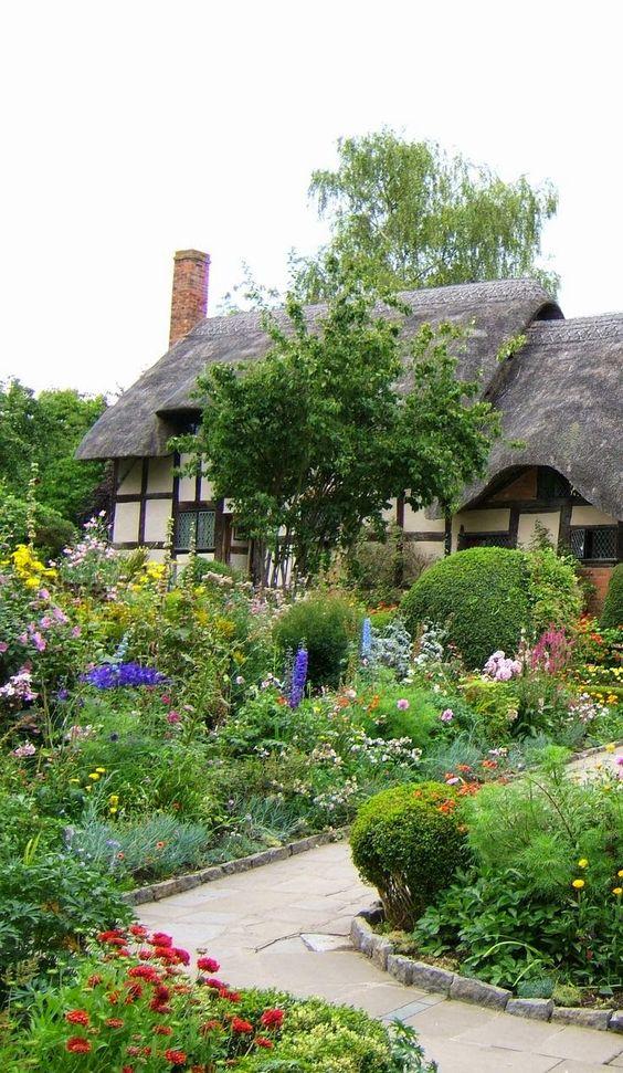 Home garden 40 inspirations pour un jardin anglais for Amenager un jardin anglais