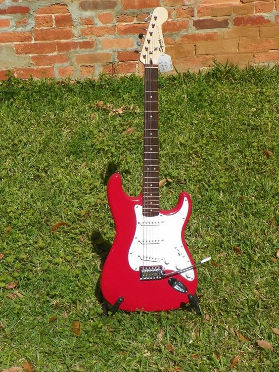 Squier Bullet Strat Stratocaster Electric Guitar with Tremolo Red #9488
