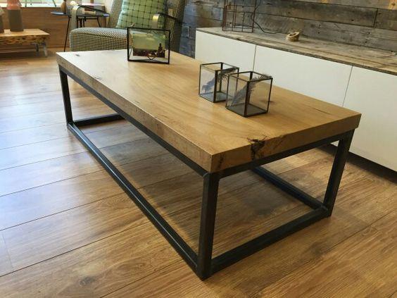 Robuuste eikenhouten salontafel met metalen onderstel  Er zijn verschillende uitvoeringen
