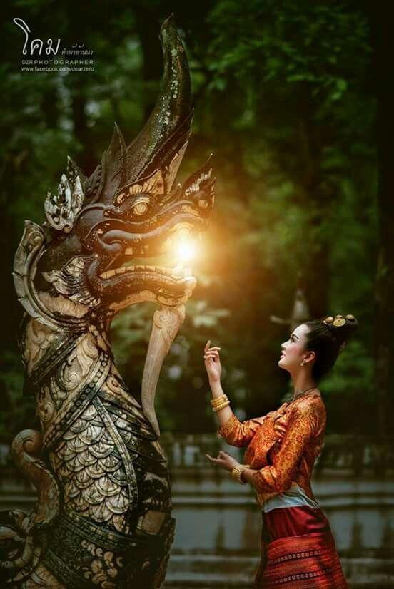 Традиционно тайландско облекло и костюми