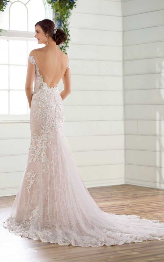 Lace Fit And Flare Wedding Gown With Open Back Essense Of Australia Wedding Dresses Fit And Flare Wedding Dress Essense Of Australia Wedding Dresses Wedding Dresses Kleinfeld