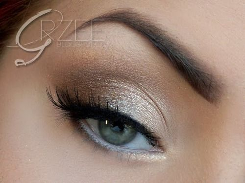 champagne-colored eyeshadow: