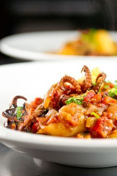 Baby Octopus and Tomato Stew (source : norecipes.com)