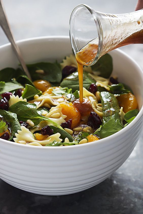 salade de pâtes et mandarines avec vinaigrette Teriyaki - Recettes - Recettes simples et géniales! - Ma Fourchette - Délicieuses recettes de cuisine, astuces culinaires et plus encore!