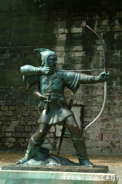 The statue of Robin Hood in Nottingham, England.