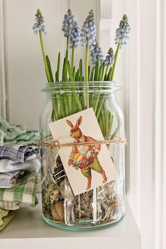 bulbs in a jar - simple spring idea: