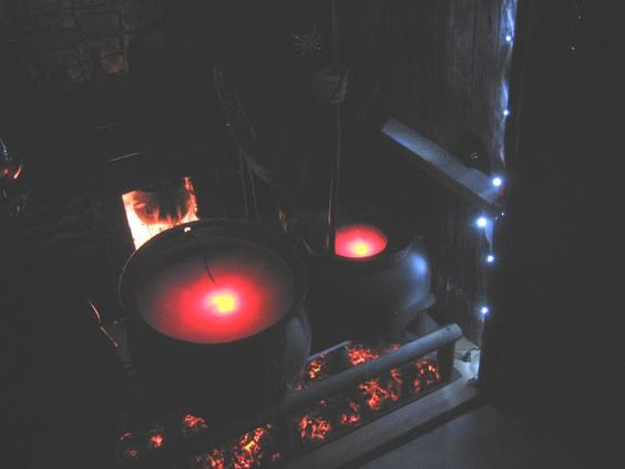"Glowing ""hot"" coals - fireplace?"