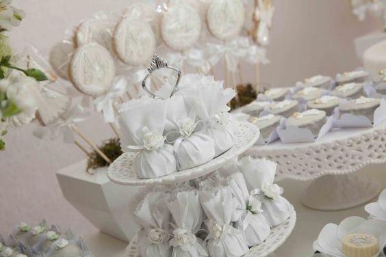 Um Batizado Off White por Bem Casadas