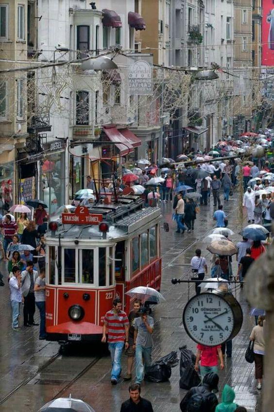 Avenida de İstiklal, Estambul, Turquía