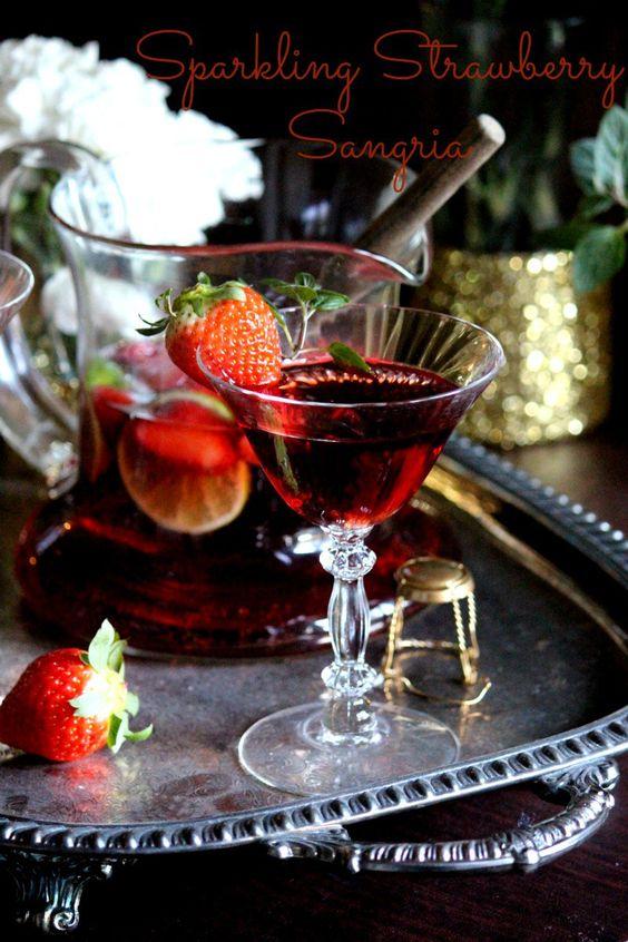 Sparkling Strawberry Sangria #SundaySupper #FLStrawberry with @Flastrawberries