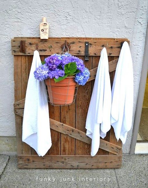 Wooden pallet towel hanger for pool or you could use for Garden pool made from pallets