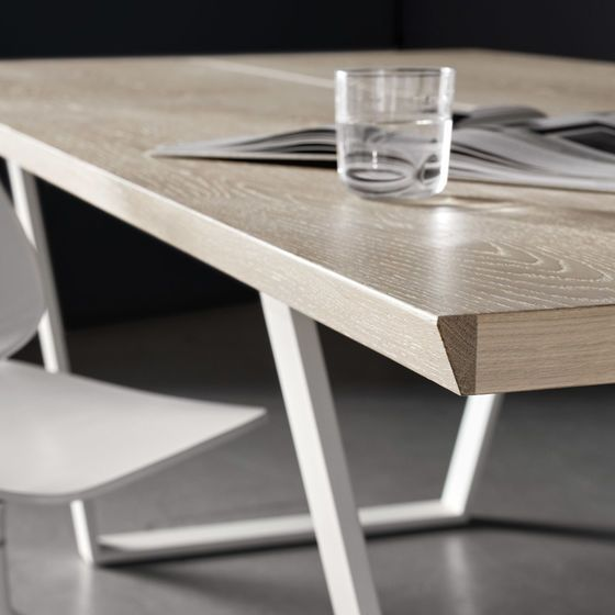 Vancouver Table With Supplementary Tabletop Dining Table