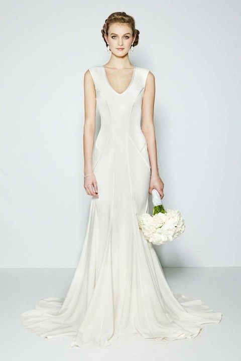 50 Simple Yet Chic Wedding Dresses For Modern Brides  HappyWedd ...