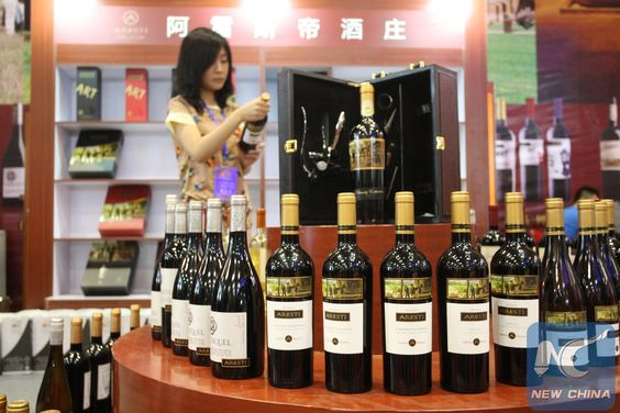 Feature: Winemakers on Greek island turn to Chinese market - Xinhua | English.news.cn