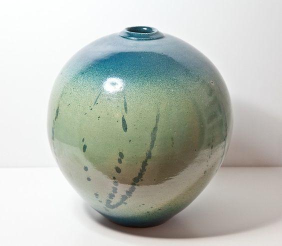 Замечательный подарок на Новый год: Ваза Керамика, глазурь. Автор: Александр Гладкий Цена: 3200 руб #erarta #erarta_shop