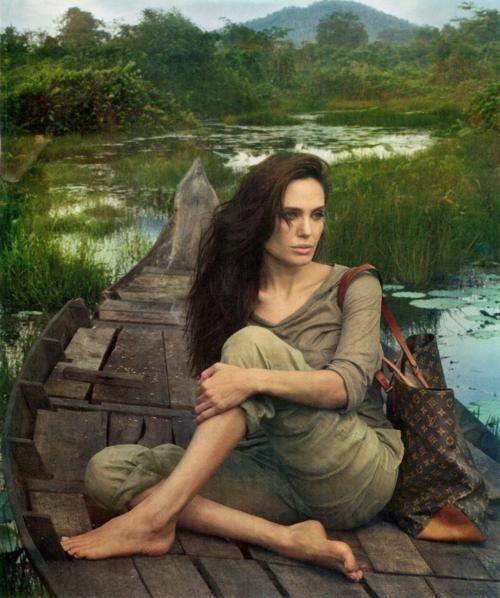 Angelina Jolie for Louis Vitton, Cambodia, ©pixdaus