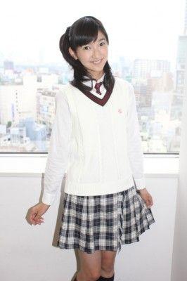 「ハガネの女 Season2」('11年、テレビ朝日系)に児童役でレギュラー出演するなど女優としても活躍する野津