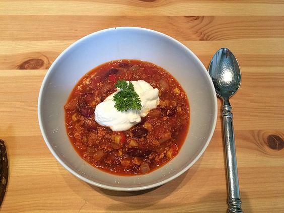 Claudios veganes Chili sin carne, ein tolles Rezept aus der Kategorie Kochen. Bewertungen: 12. Durchschnitt: Ø 3,9.