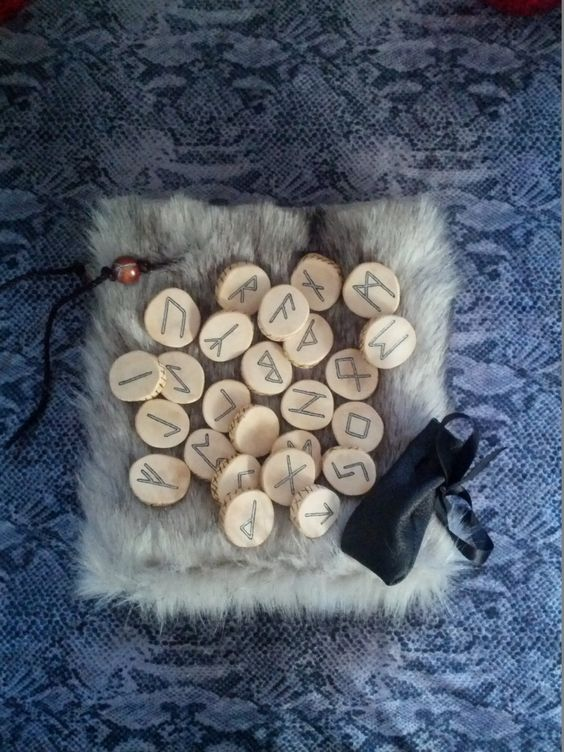 The Aries Witch ♈ Witchcraft magickal altar tools - cedar wood rune set - intuition - Wicca - pagan - spiritual psychic reading