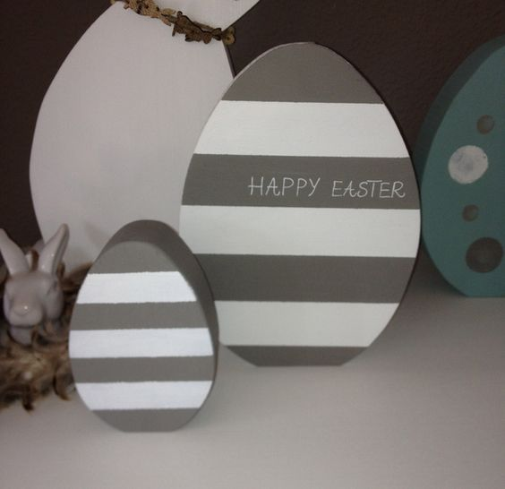 Ostern ! Osterei aus Holz mit Streifen Ei 25 cm von Raumtraum auf DaWanda.com