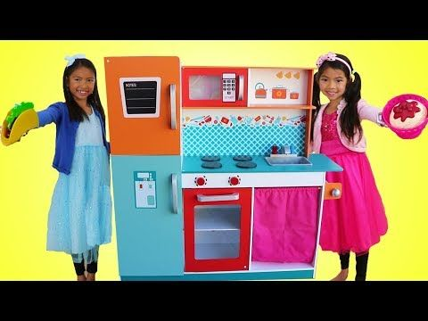 Wendy Emma Pretend Play W Giant Kitchen Cooking Toy Compilation Youtube Cooking Toys Toy Kitchen Cooking Competition