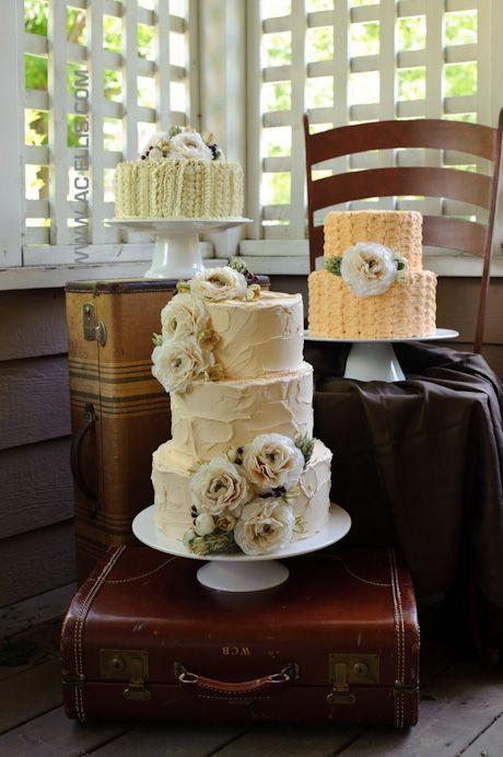 Textured Vintage Wedding Cakes
