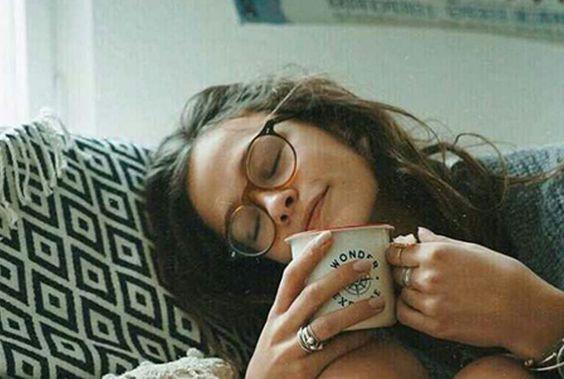 Um café com bastante leite