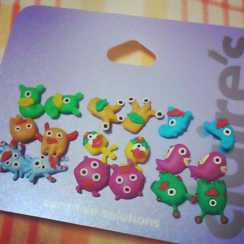Monsters piercings. Cuuuteee!