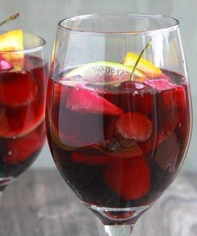 Summer Fruit Sangria Sparkler