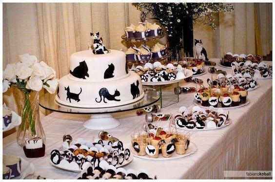 Cute cat party decor. @Fancy Feast @Allison House! Party #CatsSayCheese