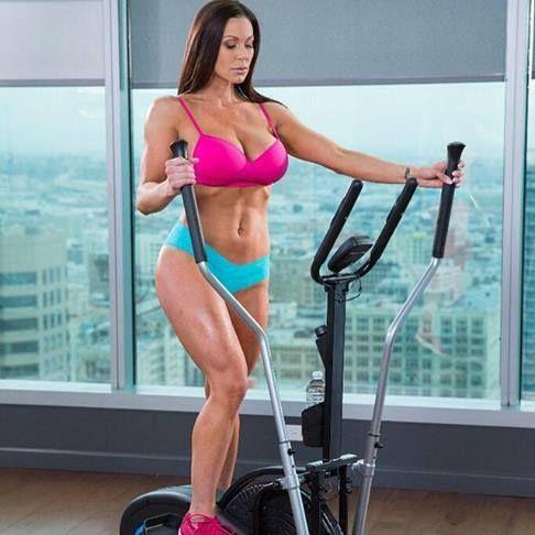 kendra lust gym
