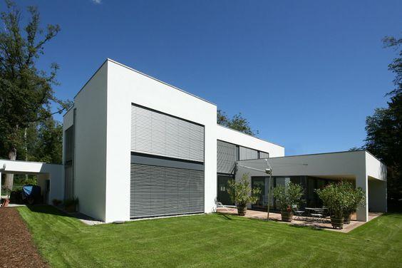 Stadtvilla satteldach moderne architektur dortmund villas for Moderne architektur villa