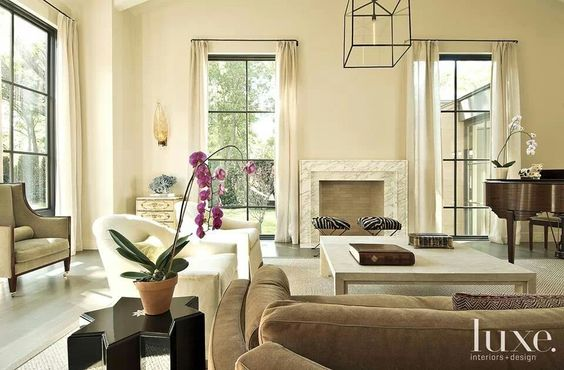 A wonderful light and airy space. Easy to relax in, yet classic.