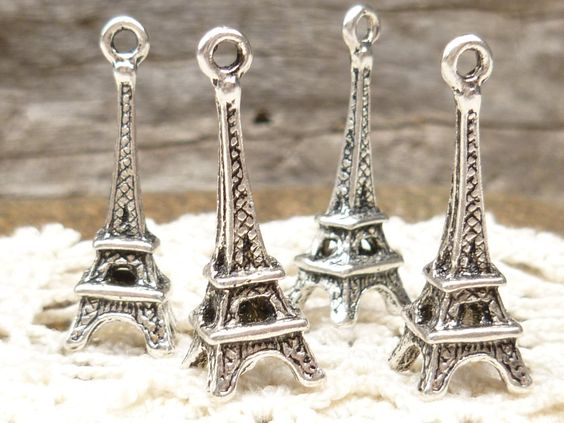 Eiffel Tower Antique Silver Charms (6) - S91. $2.85, via Etsy.