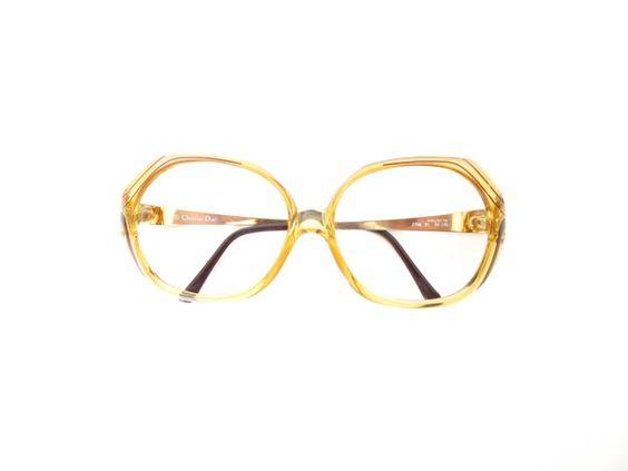 Y sí, también puedes verte como Barb con estos lentes vintage de Christian Dior…